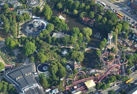 Luftfoto af Tivoli København hvor man kan prøve teambuildingaktiviteten Tivoli GPS Adventure